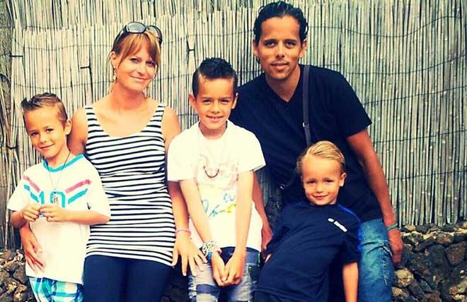 Het gezin Everts, met Evani rechtsonder.