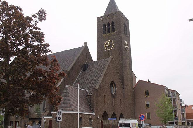 De St. Josefkerk in Assendorp. Foto: Pascal Pellikaan, http://www.pp-fotografie.nl