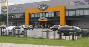 Sligro Zwolle plastic stukken in brood