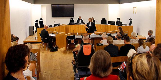 De rechtbank. http://www.frankvanhienen-fotografie.nl/