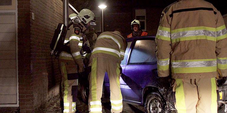 Auto in brand gestoken in Aa-landen
