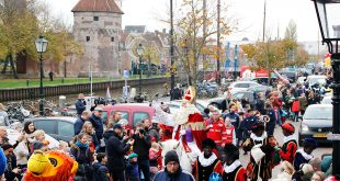 Sint en (Zwarte) Piet meren aan in Zwolle