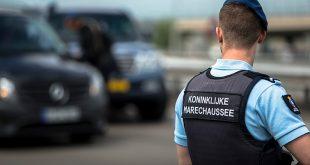 Duitsers hebben maling aan advies en trekken grens met Nederland over