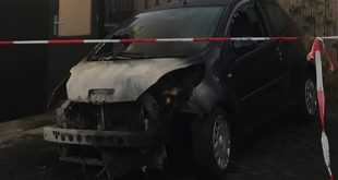 Weer autobrand aan Jac. P. Thijsselaan in Stadshagen