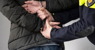 Man en vrouw verdacht van drugshandel vanuit auto in Aa-landen