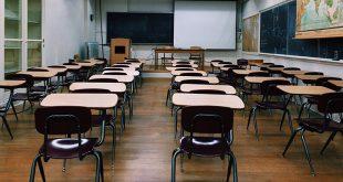 'Sluit per direct alle scholen voor minstens twee weken'