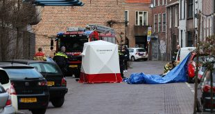Man overleden na val van dak in centrum Zwolle