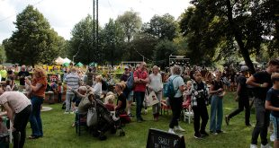 Veel belangstelling voor Festival Zwetsen & Kletsen in Dieze Oost